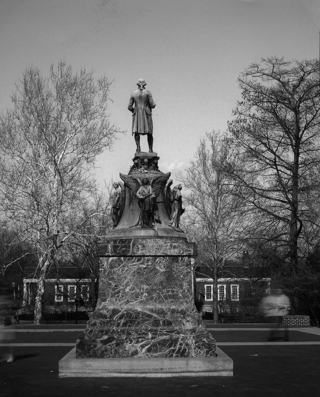 Thomas Jefferson statue black and white
