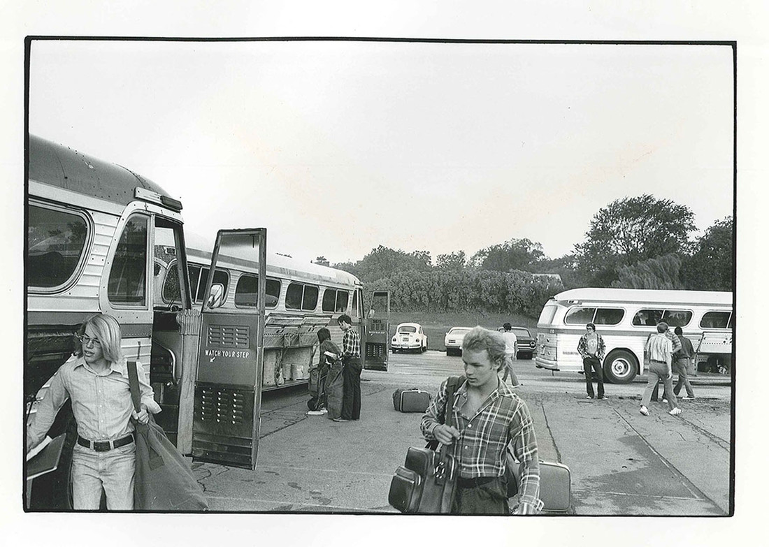 Boarding-the-busses-from-Wheaton-lo.jpg